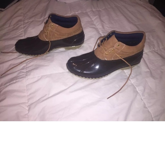 b36e94e1 Women's Tommy Hilfiger Ankle Duck Boots Size 9. M_5b02e2e48af1c5848f4b27a3